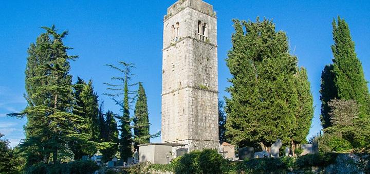 Zvonice kostela sv.Apolináře