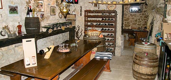 Vínna pivnička Čubranić