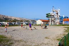 Hřiště u pláže Baška, Krk - Chorvatsko