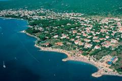Pláž a promenáda Punat - Krk, Chorvatsko